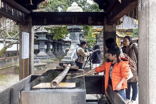 lavlilacs Japan Tokyo Ueno Park shrine chozuya water purifying area