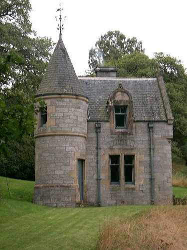 Scotland fairy castle flickr photo sharing for Castle house plans small