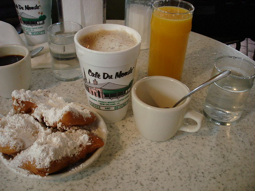 Coffee and Beignets at Cafe Du Monde | by Fuzzy Gerdes