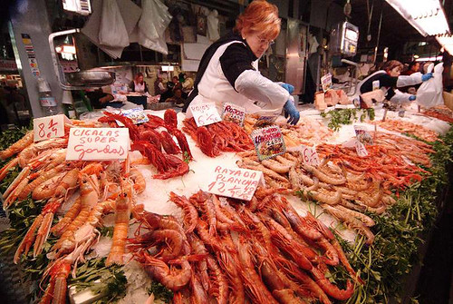 Crustaceans & coiffeur, Valencia central market | by frotos (Fred Shively)