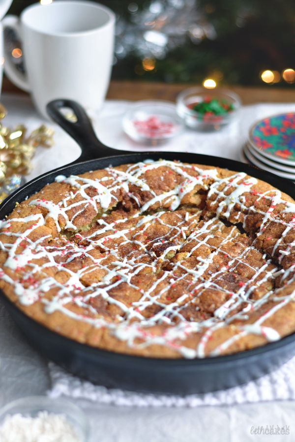 Snickerdoodle Skillet Cookie - bethcakes.com