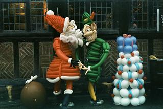 festive balloonery