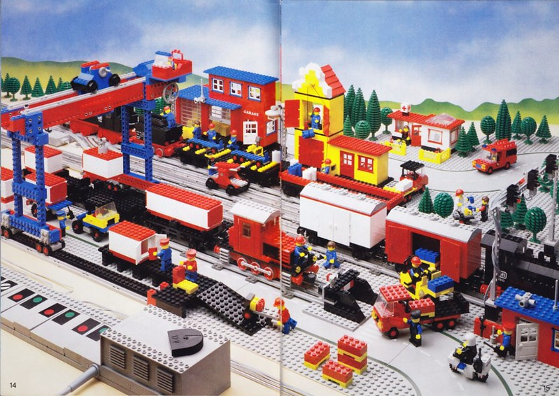 7777: The 1981 Trains Ideas Book | Brickset: LEGO set guide and database