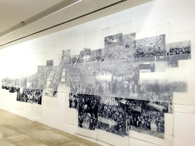 « En nuestro pequeño Región de por acá — Utopías/Distopías » de Voluspa Jarpa. Gabriela Mistral Galería.