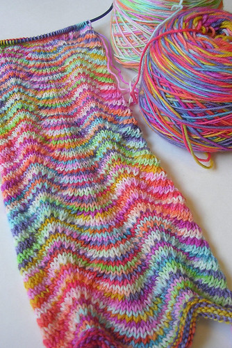 Knitting Designs In Two Colours : Lmkg chevron scarf here s my progress so far on the