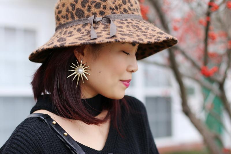 kendra-scott-earrings-animal-print-hat-choker-sweater-1