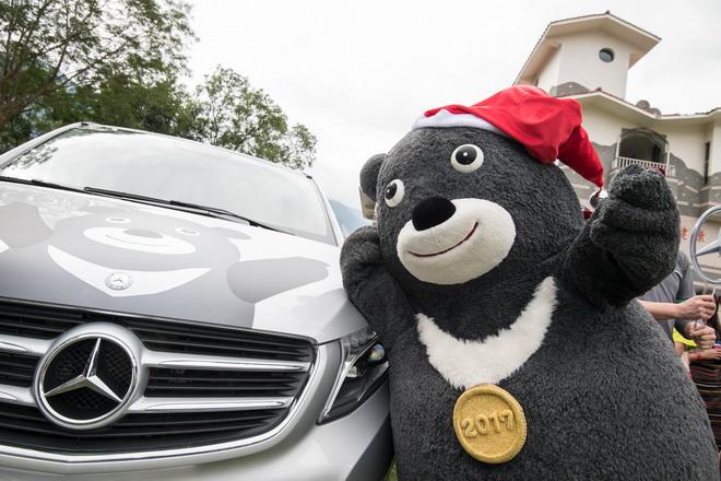 愛心特派員「熊讚」送愛到偏鄉,乘坐Mercedes-Benz V-Class前進宜蘭澳花國小