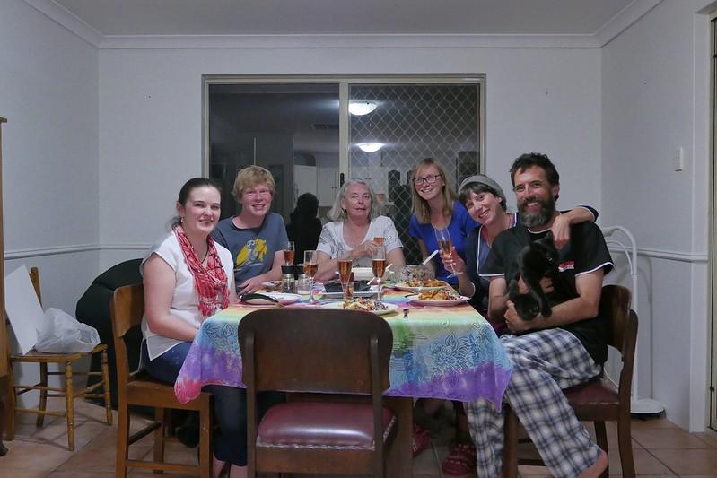 Unsere Familie in Perth. Komplett mit schwarzer Katze :)
