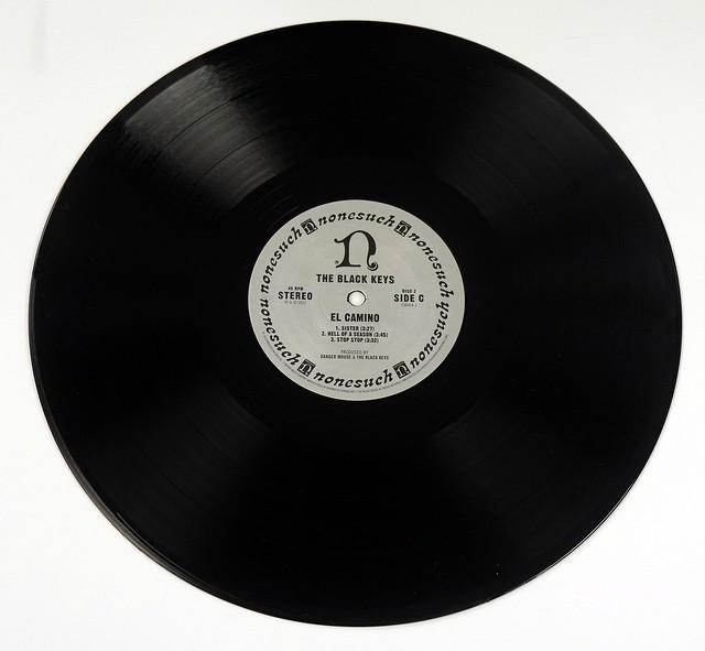 "Black Keys El Camino 2x 12"" LP + 7"" Single + Large Poster"