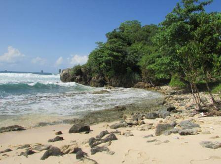 sisi kanan pantai batu pecah