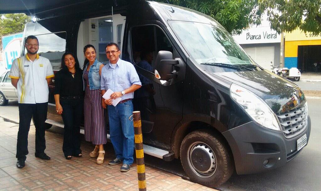 Empreendedora converte Renault Master em Boutique Móvel, fashion e sustentável