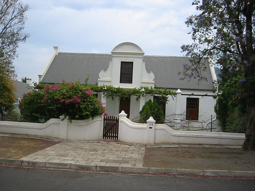 Cape Dutch architecture in Graaff-Reinet | by Tjeerd