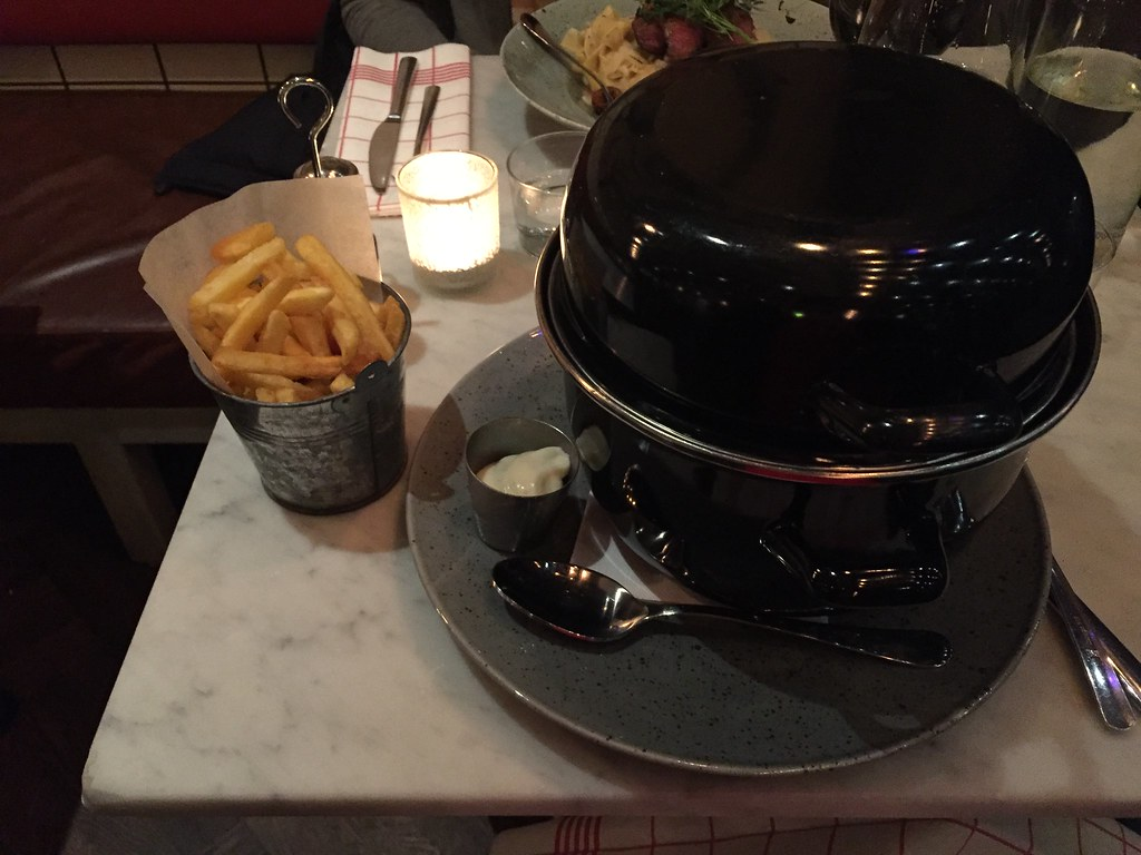 Tjejkväll med moules frites