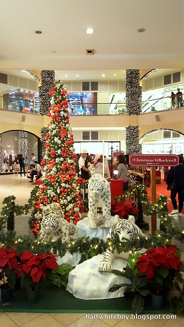 halfwhiteboy powerplant mall christmas decor 2016 10