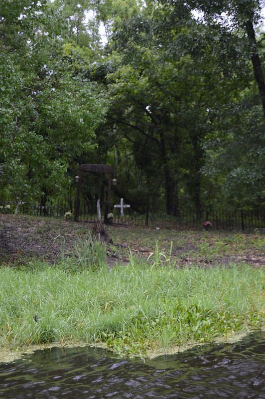 nola_manchac_swamp_graveyard