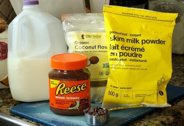 Peanut Butter & Chocolate Protein Balls