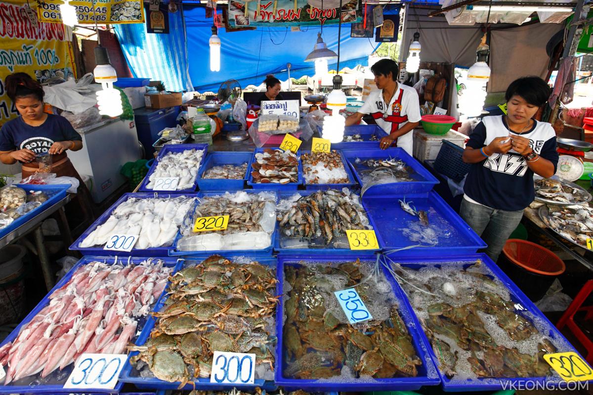 Lan Pho Fish Market Pattaya Seafood Sellers