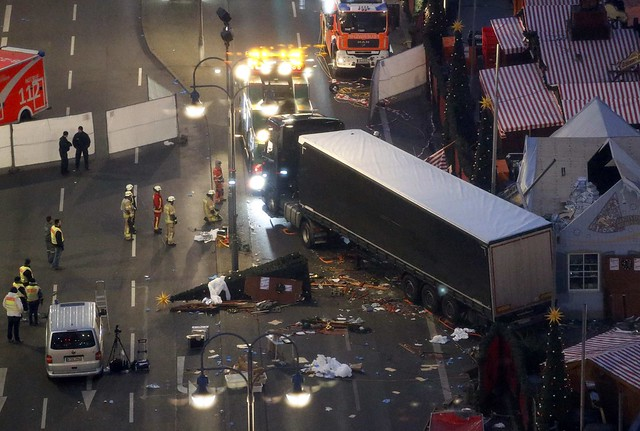 Lorry smashes through Christmas market in Berlin