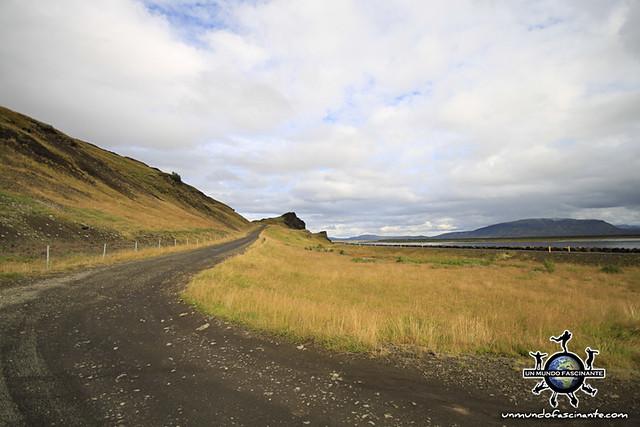 Carretera 30 de camino a Landmannalaugar, Islandia