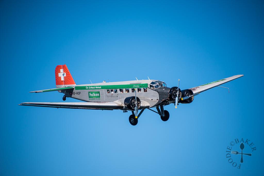 Sightseeing plane