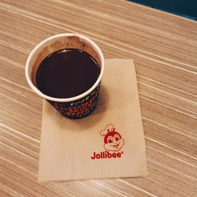 This hot chocolate is good enough reason to brave the crowds inside Jollibee at NAIA Terminal 3