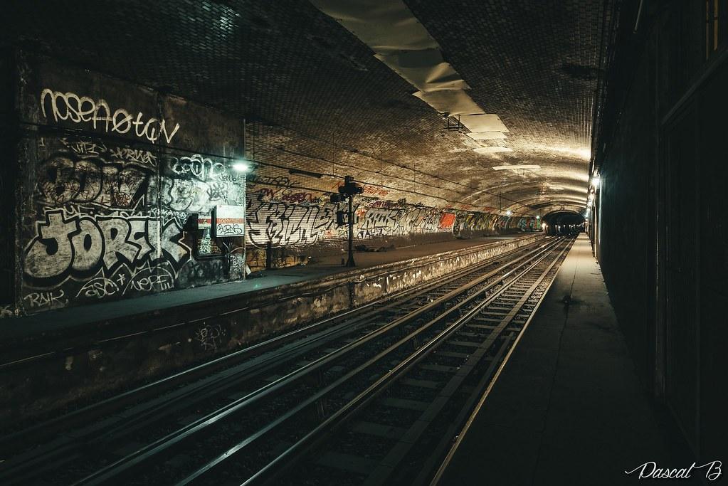 [Station famtôme] Champs de Mars 30900427604_d1c8ed6a0c_b