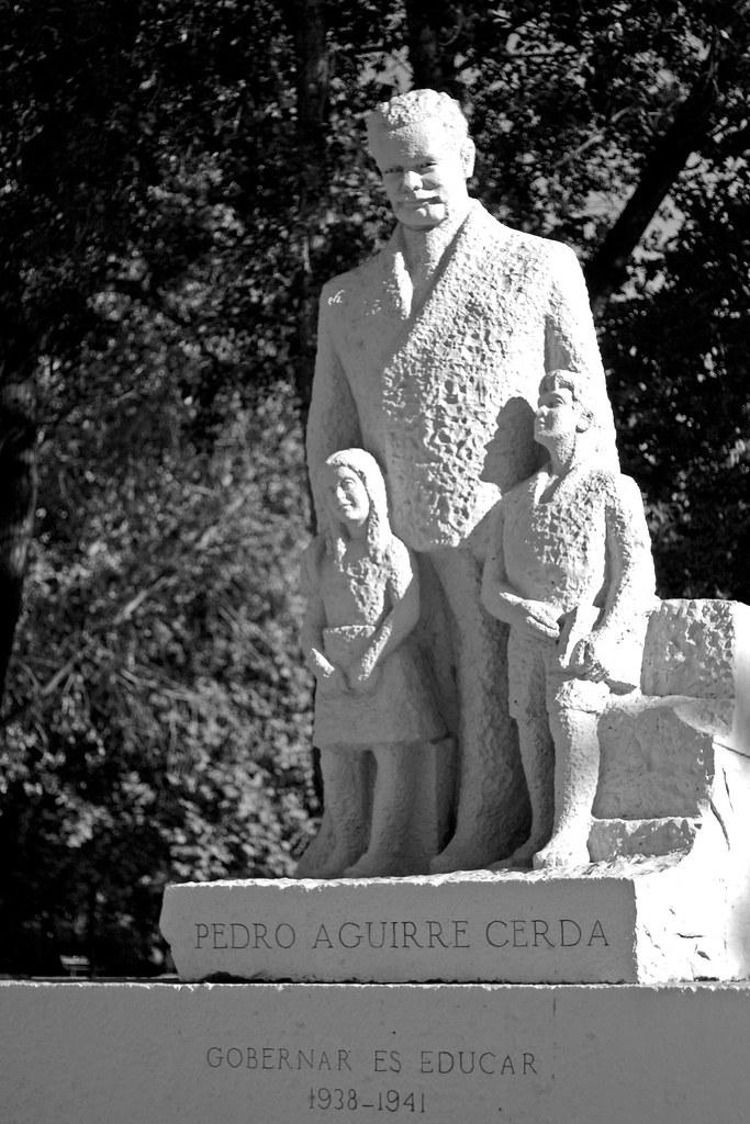 Monumento a Pedro Aguirre Cerdo