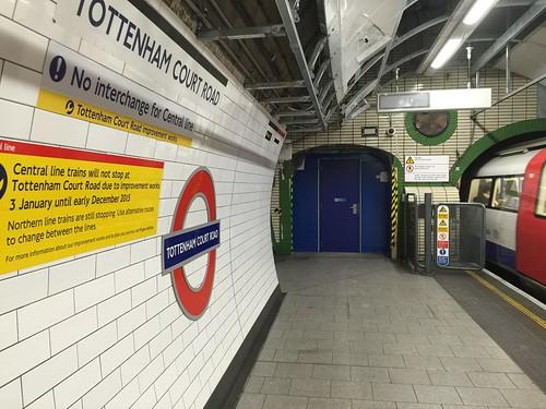Tottenham Court Road Station Platform (Northern)