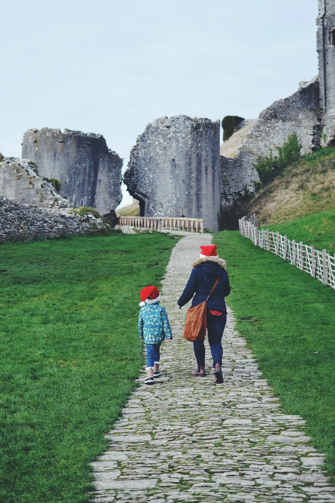 Walking to Corfe Castle