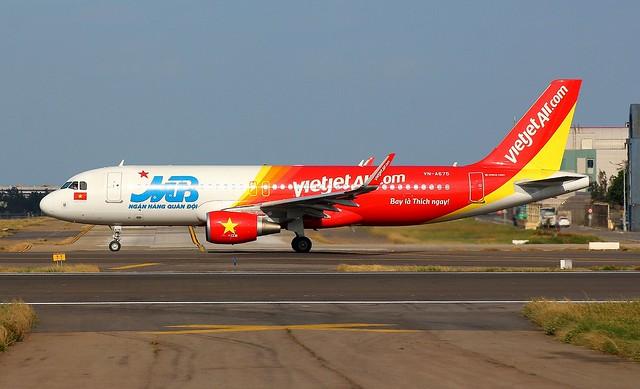 VietJetAir A320-214 VN-A675 MB Bank livery