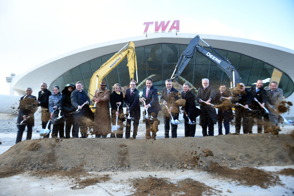 Governor Cuomo Announces Groundbreaking on Historic TWA Flight Center Hotel