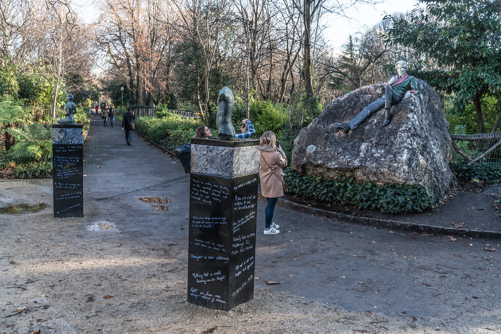 THE OSCAR WILDE INSTALLATION HAS BEEN RESTORED AND REPAIRED AND THE LAYOUT HAS BEEN CORRECTED [MERRION SQUARE DUBLIN]-124123