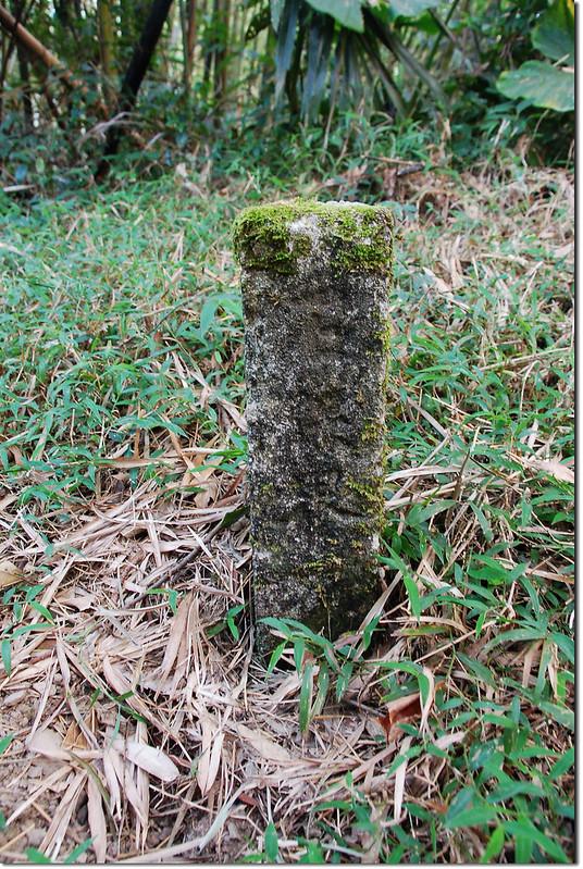 枕頭山水泥柱