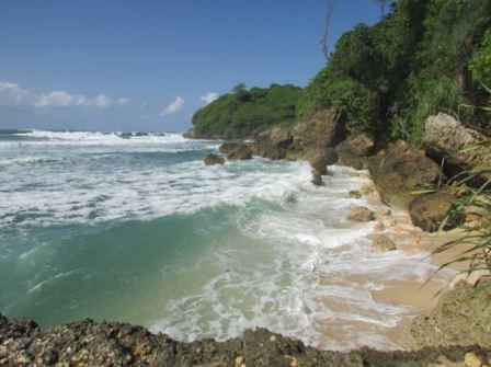 view pantai batu pecah
