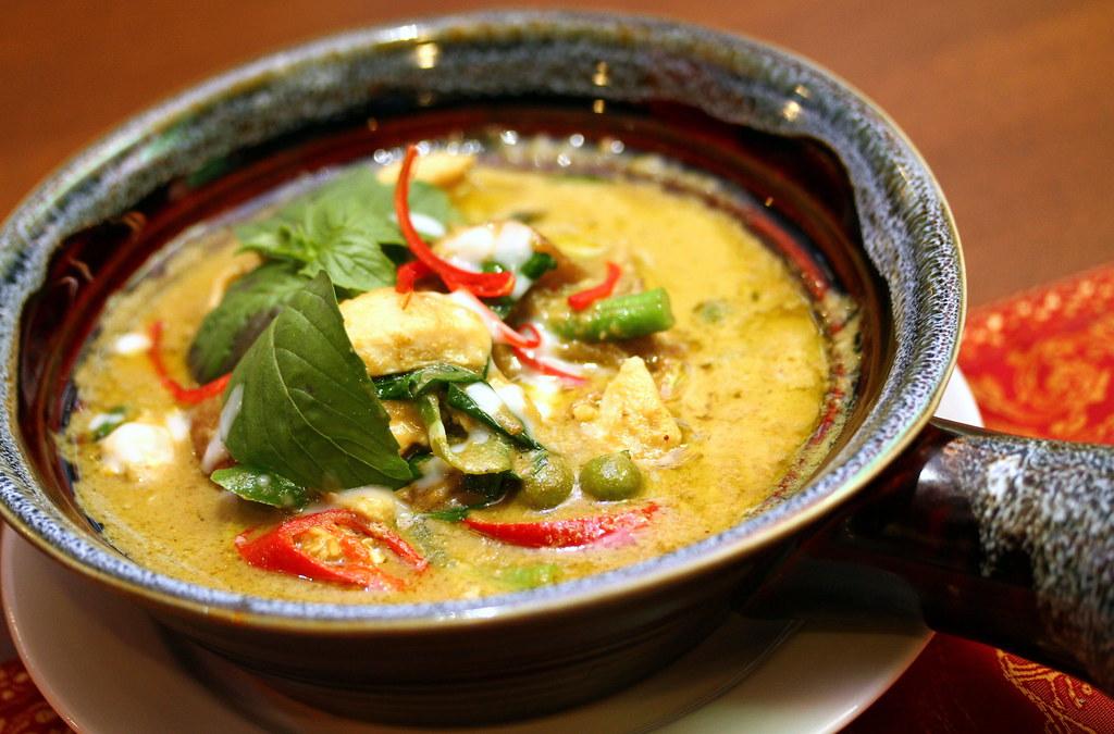 royal-thai-green-curry-chicken