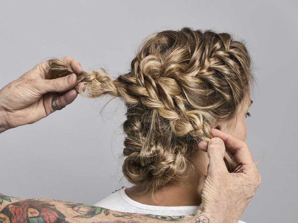 Aussie Step 4 geflochtene Haarkrone