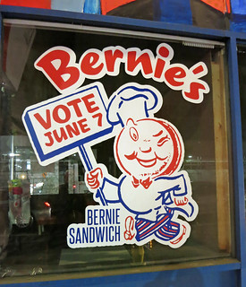 Johnie's Coffee Shop With Bernie Sanders Leftovers (3360)