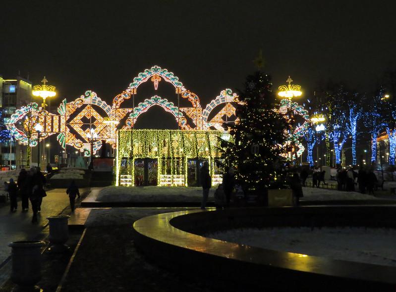 Тверской бульвар и световой тоннель
