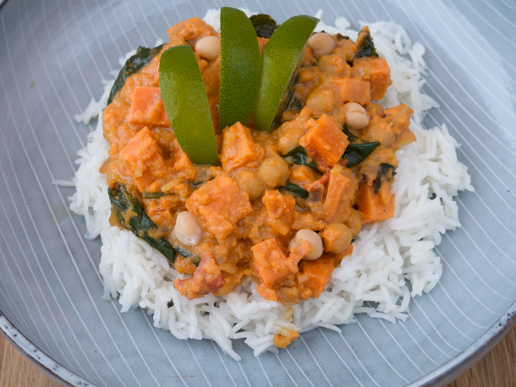Recipe for Homemade Sweet Potato, Spinach, Chickpea and Coconut Curry