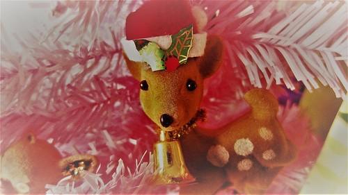 Peura on joulukoriste