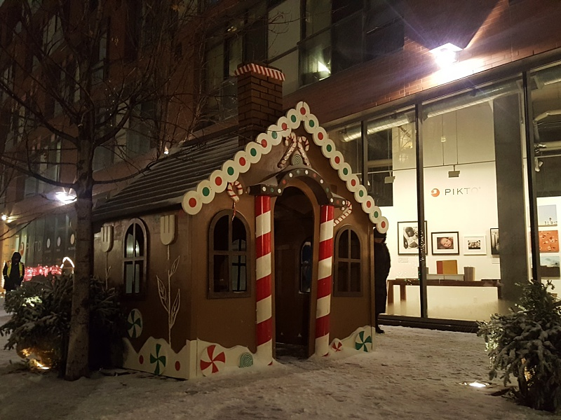 gingerbread house Christmas Market
