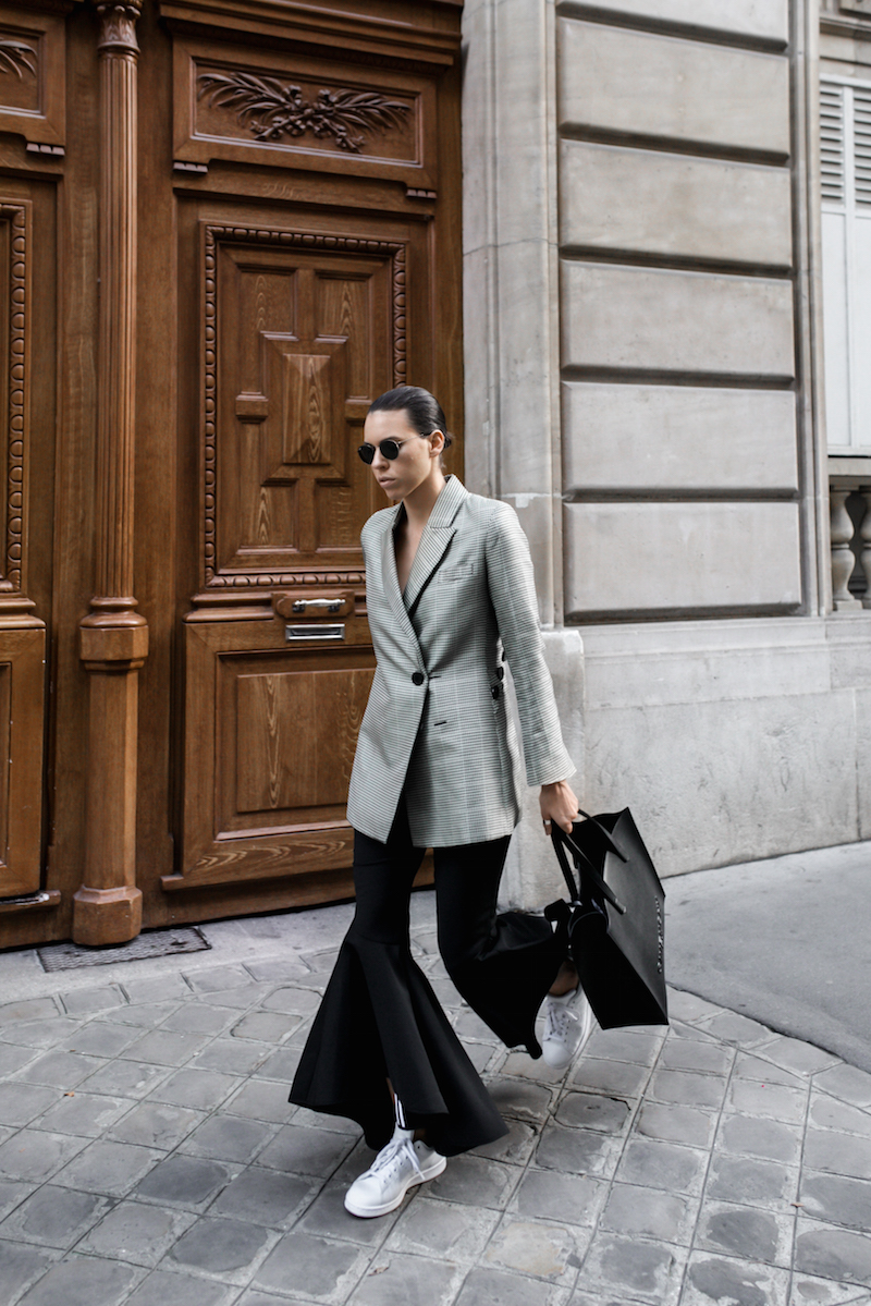 ellery cropped ankle flare pant trouser houndstooth velma blazer Givenchy tote Paris fashion blogger modern legacy workwear street style Instagram minimal (1 of 7)