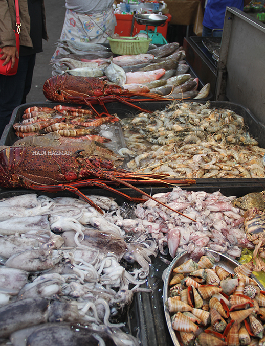 Cheap seafoods, heaven of varieties of seafoods.