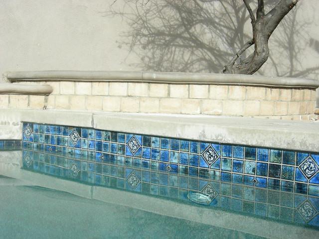 pool tiles (101)