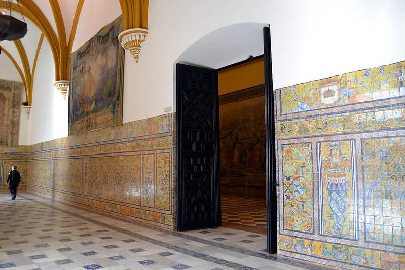 Sala Sur y accesos al salón de tapices