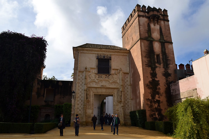 La monumental Puerta de Marchena