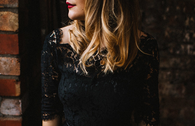 vintage inspired christmas party outfit audrina dress joanie the forge bristol blogger fashion blogger lauren jayne hall photographer