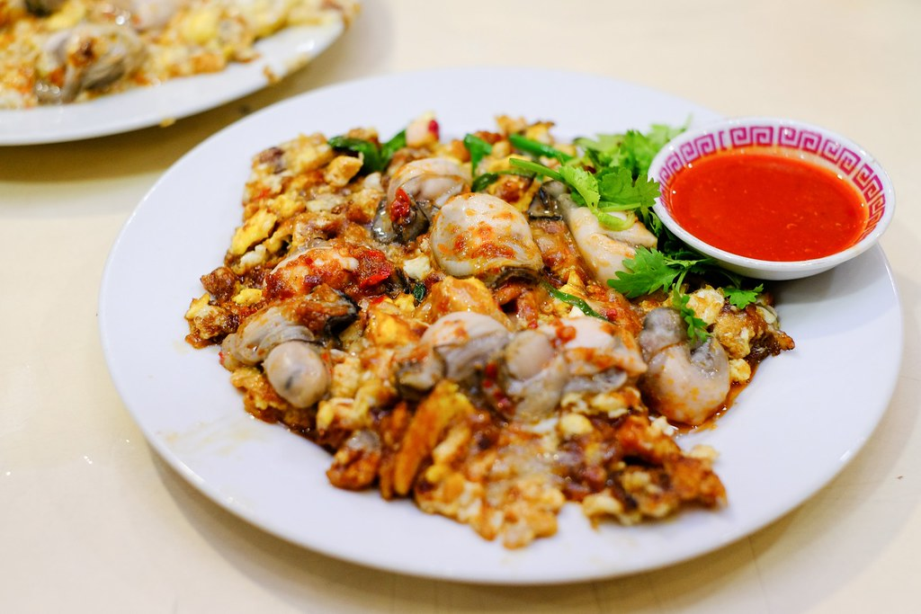 Berseh Food Centre: Lim Fried Oyster Berseh Food Centre
