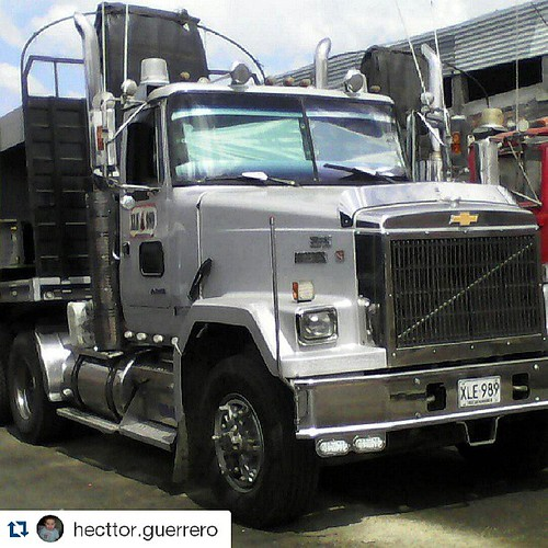 #Repost @hecttor.guerrero with @repostapp. Chevrolet Super Brigadier from Colombia