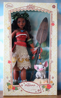 Disney Store Limited Edition Moana Doll